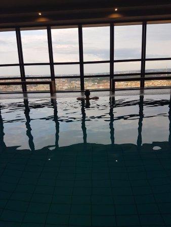 Corinthia Hotel Prague: Foto della mia fidanzata, con vista sulla città