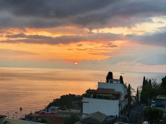 Hotel La Pensione Svizzera: Sunrise