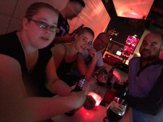 Ô6 SENS | Le plaisir de la table dans le noir!: Rosalie Fortier