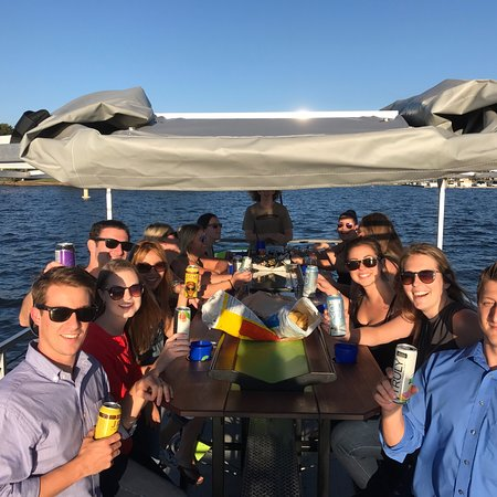 Cornelius, NC: Company Outing to enjoy a day on the lake