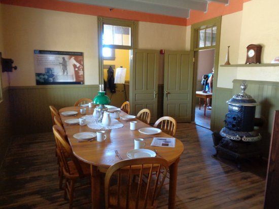 Old Harbor Lifesaving Station : Dining Room