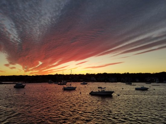 Oak Bluffs, MA: Amazing Sunset