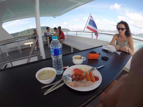 راواي, تايلاند: Wonderful Breakfast