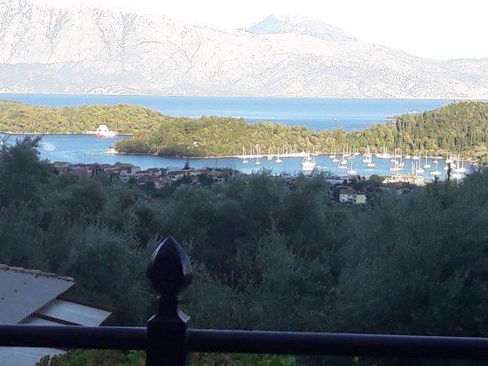 Dimitris Taverna: View!