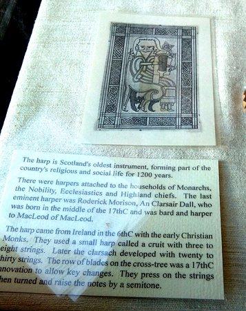 West Highland Museum: Explicatif de la harpe celtique