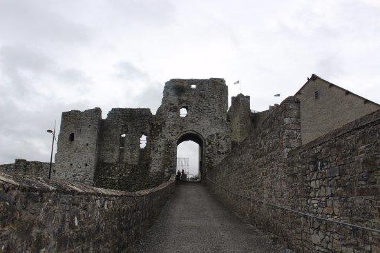 Trim, Irlanda: Entrance to the grounds