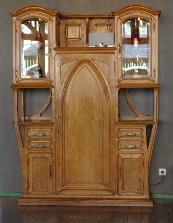 beau meuble de style art nouveau entr e de la villa demoiselle villa demoiselle reims. Black Bedroom Furniture Sets. Home Design Ideas