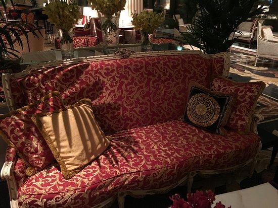 Palazzo Versace Dubai: Versace Sofas