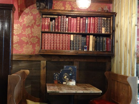 Sherlock's Coffee House: a quiet corner