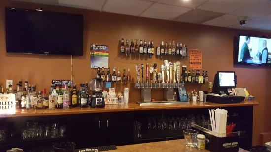 Monroeville, PA: Full Bar
