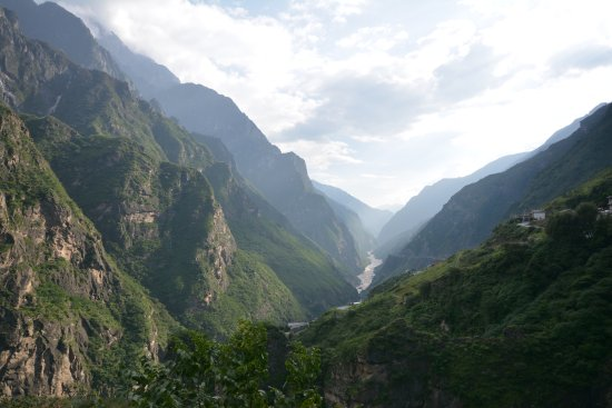 Shangri-La County, Kina: Best view from a bar ever (almost!)
