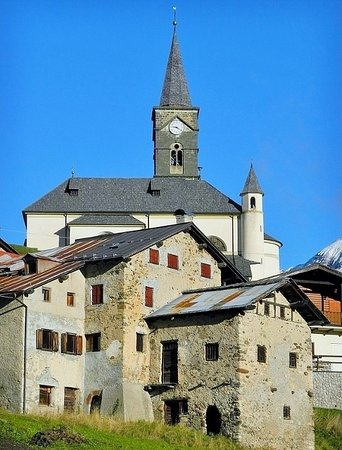 Rocca Pietore, Italien: Domina il borgo antico