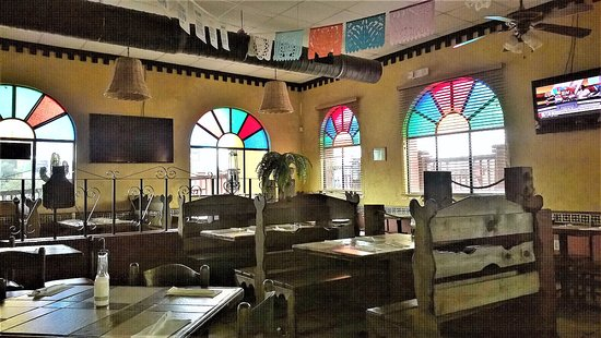 Bainbridge, GA: Fairly Large Interior-very decorative