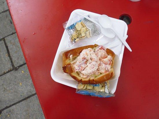 Boston Chowda Co: Hot Lobster Roll