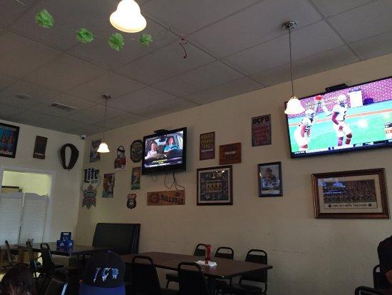 Commerce, GA: 4 TV on each side
