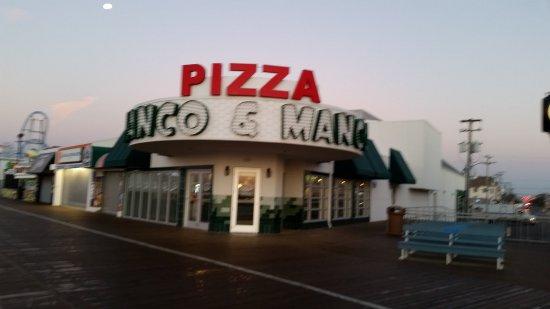 Manco & Manco Pizza: 20171007_065448_large.jpg