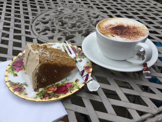 Alfriston, UK: Lovely cake