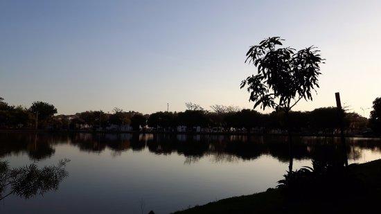 Araras, SP: Anoitecendo