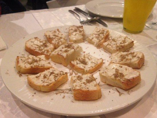 Momjan, Croacia: entree al tartufo