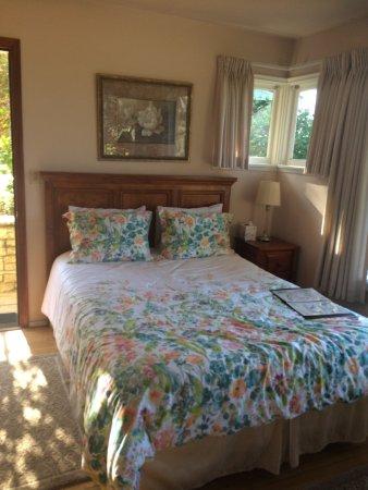 Ojai, CA: Garen Room! Most comfy bed!