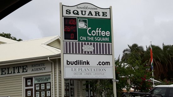 Coffee on the square: ENTRADA