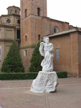 Asciano, Italia: Maggiore Courtyard