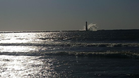 Pere Marquette Park: My Favorite Photo of the Lighthouse and Waves
