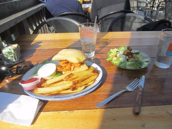Leland, MI: Whitefish sandwich was delicious!