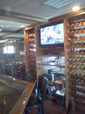 La Plata, MD: Plenty of wine