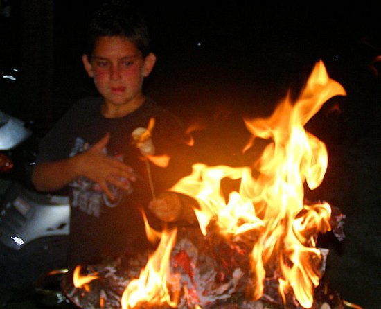 Holiday Cottages: Smores from the grill
