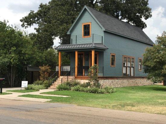 Brazos Tours: Shotgun House