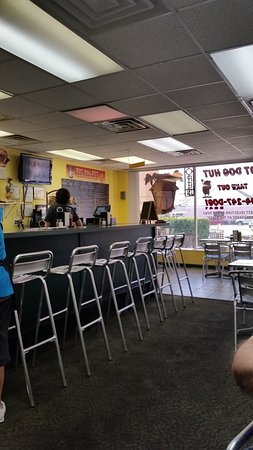 Hot Dog Hut: Very small mom & pop place