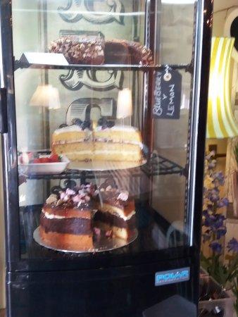 Pett, UK: more cakes...
