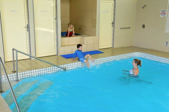 Leisure Ville Holiday Centre : Pool and Spa