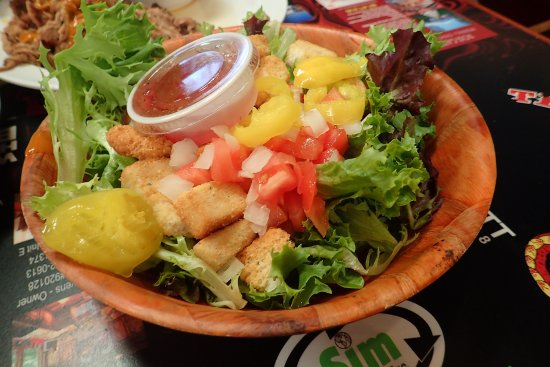 Tehachapi, CA: Salad is enough to share