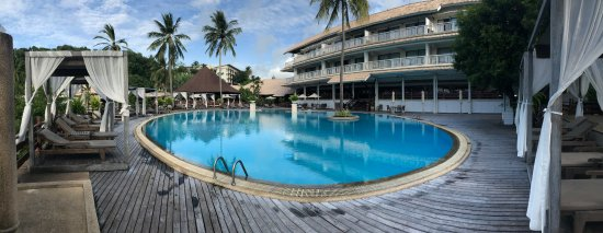 Cape Panwa Hotel: Pool at the top near reception