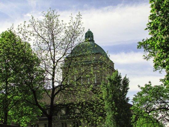 UBS Polybahn: Instituto Federal de Tecnologia de Zurique