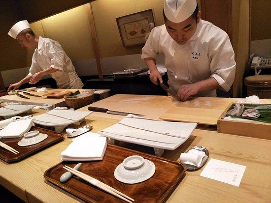 寿司の食べる・注文する順番|玉子/左から