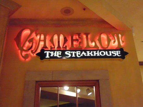 Camelot Steakhouse: sign