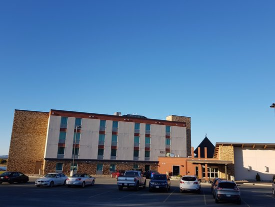 Manitoulin Hotel & Conference Centre: Hotelfront