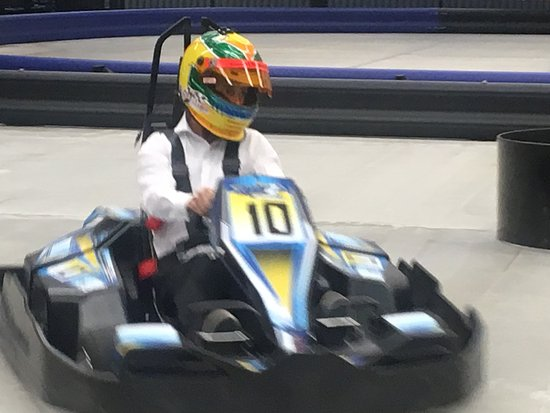Seabrook, NH: Come experience the fun of indoor electric karting! FEEL THE RUSH!!