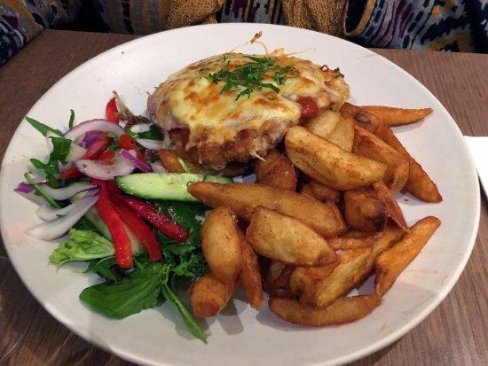 Oakleigh, Australia: Free range chicken parmigiana
