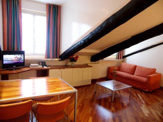 Residence sacchi studio mansardato in centro con for Lavatrice wifi