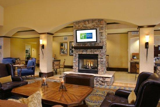 เอล โดราโด ฮิลล์, แคลิฟอร์เนีย: Hotel Lobby