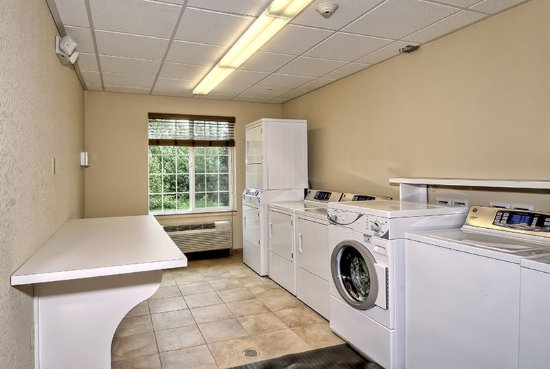 Candlewood Suites Burlington: 24-hour Guest Laundry Facility