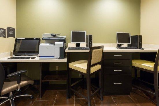 Hapeville, GA: Business Center