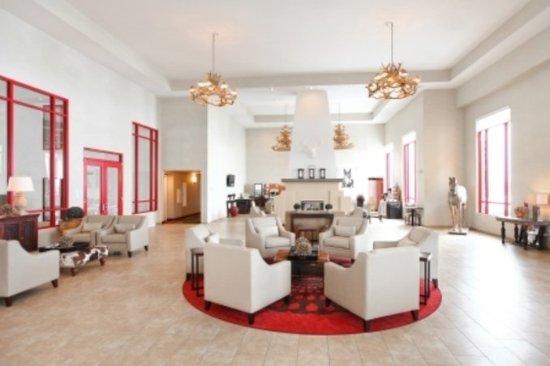 Holiday Inn Express Hotel & Suites Olathe North: Hotel Lobby
