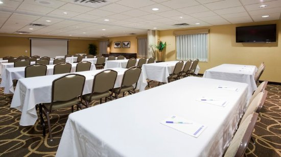 Rogers, MN: The Counties Meeting Room can seat up to 120 guests.