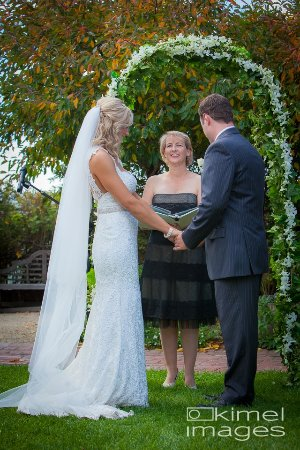 Lancefield, Australië: A beautiful garden setting for a wedding at Cleveland Winery