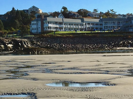The Beachmere Inn: Beachmere from the sandbar at the south end of the beach at low tide.